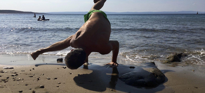 Kraft & Balance - leichte Yoga Übungen für zuhause - viel Spaß beim Ausprobieren - Yogastudio Die Matte