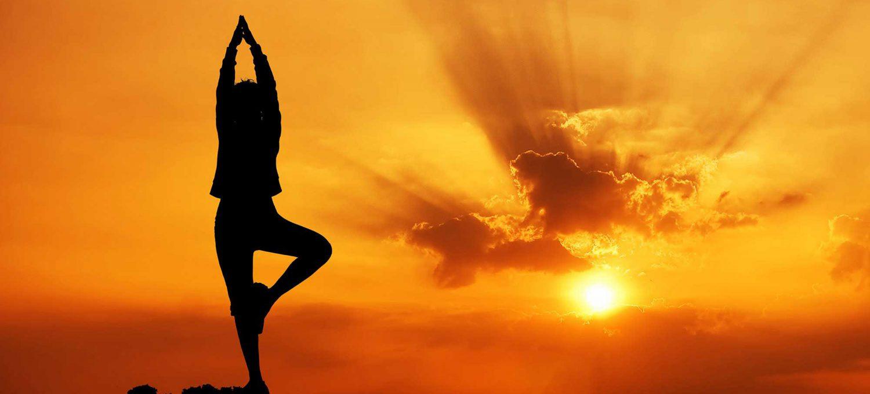 Yoga am Morgen- der beste Start in den Tag! Kurs ab 12.10.2017 in Karlsruhe. Atemübungen, Dehnungen, aktivierende Flows - Yogastudio Die Matte